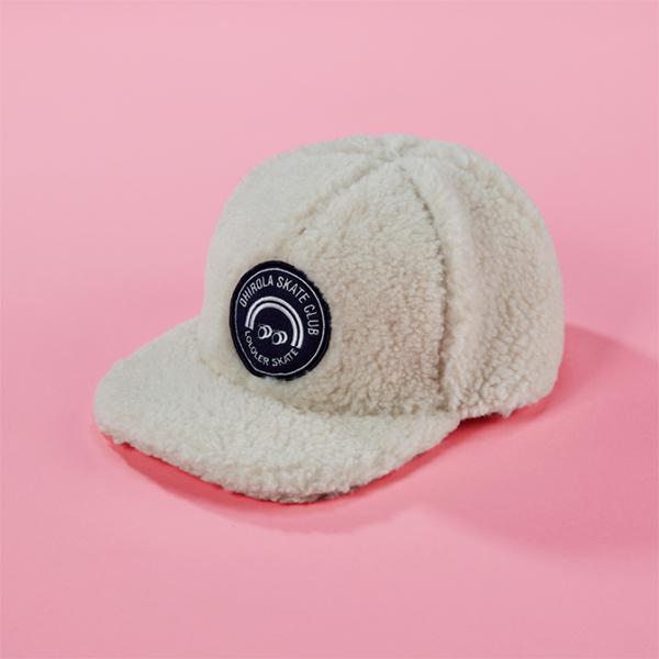 (A-0006)OHROLA BOUCLE CAP IVORY