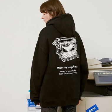 (HD-20723) R:LOL TYPEWRITER HOOD T-SHIRT BLACK