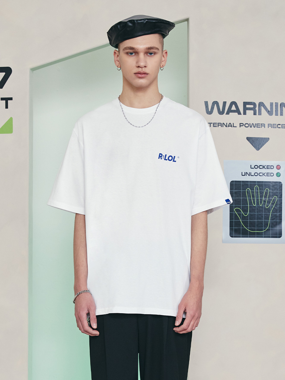 (TS-21301) R:LOL BASIC LOGO T-SHIRT WHITE